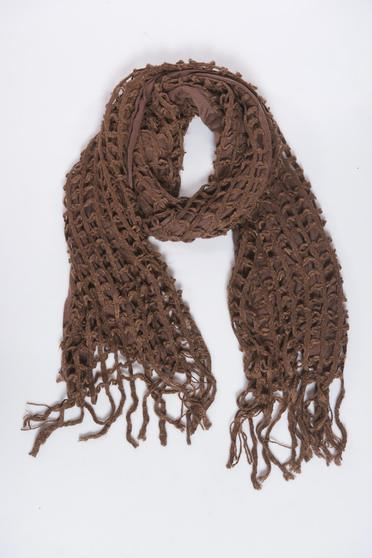 Brown scarf knitted with fringes