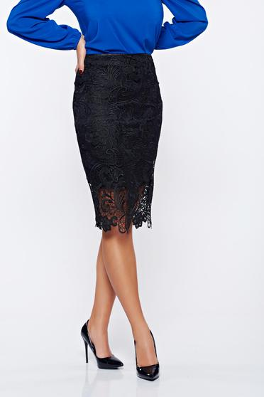 StarShinerS black elegant laced skirt with inside lining