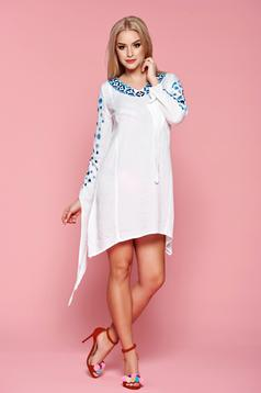 StarShinerS Good Time White Traditional Blouse