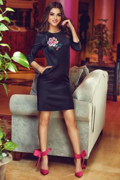 StarShinerS Theo Rose Enigma Black Embroidered Dress