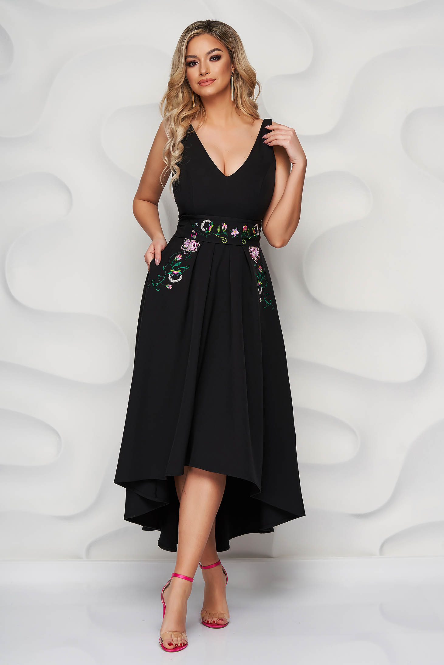 StarShinerS black dress occasional midi cloche with embroidery details