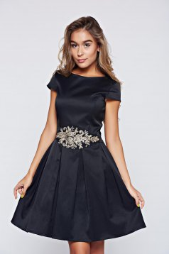 StarShinerS black dress with satin fabric texture occasional