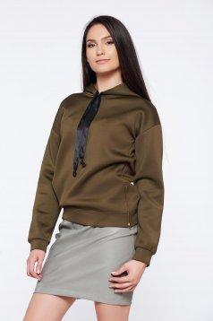 PrettyGirl darkgreen casual sweater with zipper accessory