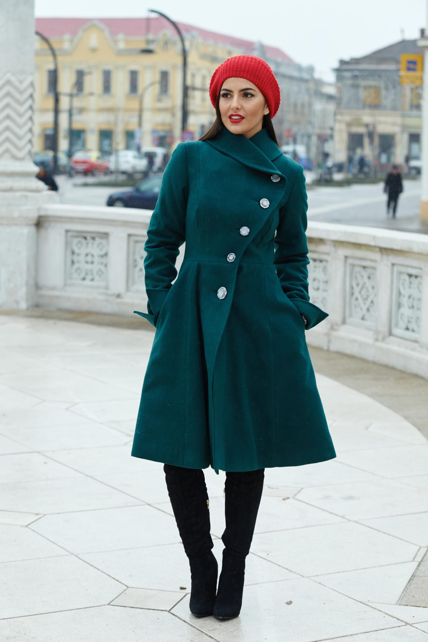 Artista green coat from wool with pockets with inside lining