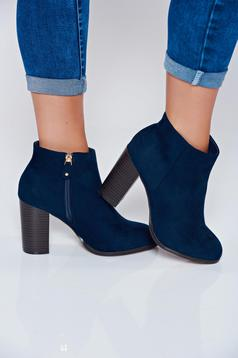 Top Secret darkblue ankle boots with square heel and round tip