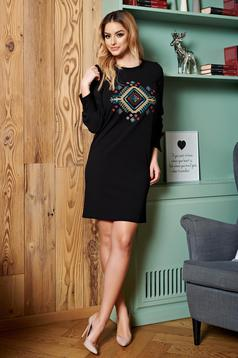 StarShinerS black embroidered dress with veil sleeves