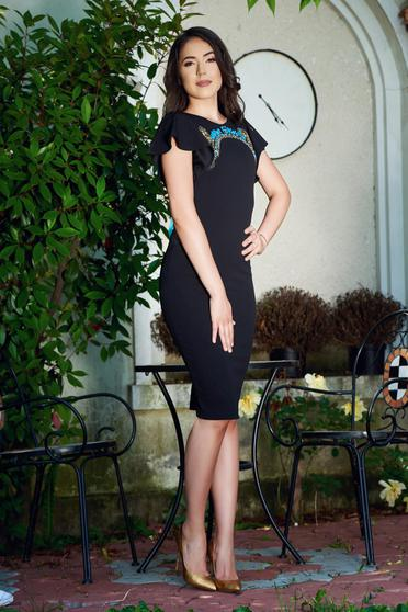 StarShinerS black dress with small beads embellished details and cut back