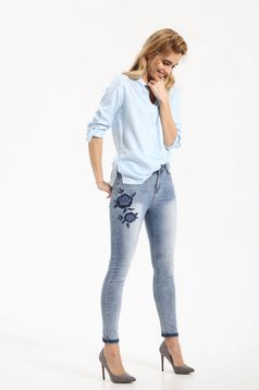Top Secret blue jeans embroidered with medium waist