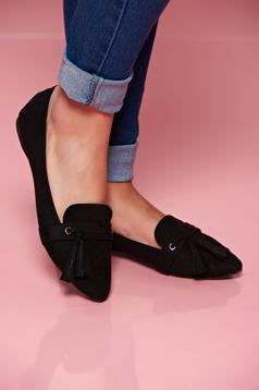Top Secret black shoes with tassels slightly pointed toe tip