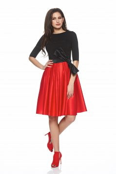 Artista Misterious Lady Red Dress