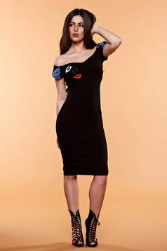 StarShinerS embroidered black dress with bow shaped accessory