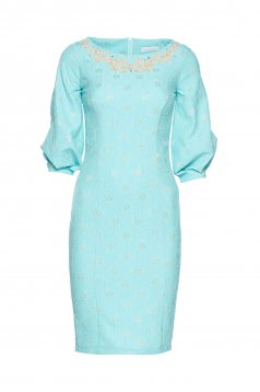 LaDonna mint dress with embroidery details and wrinkled texture