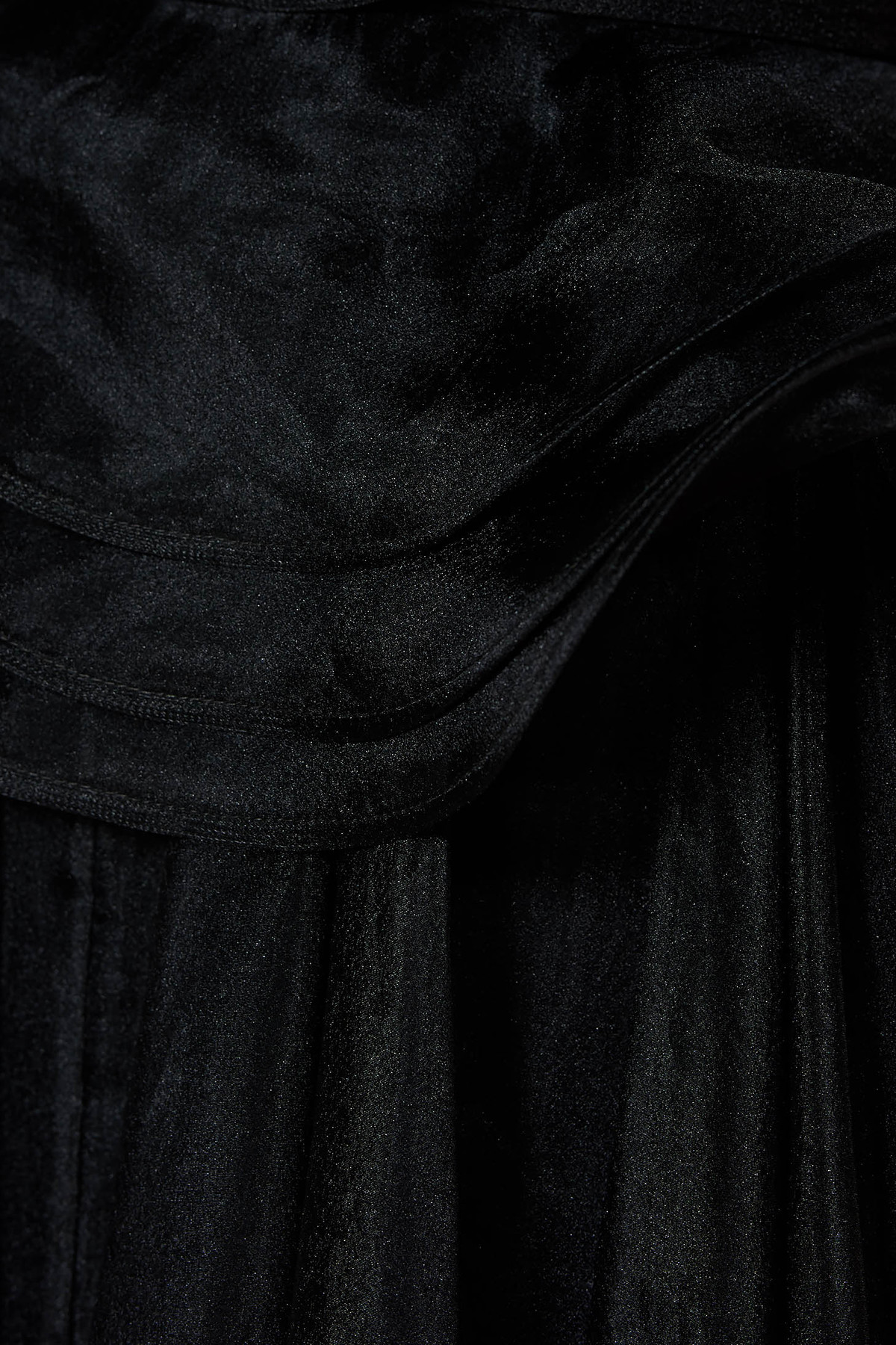 Rochie Ana Radu rosie de lux din voal creponat captusita pe interior cu volanase