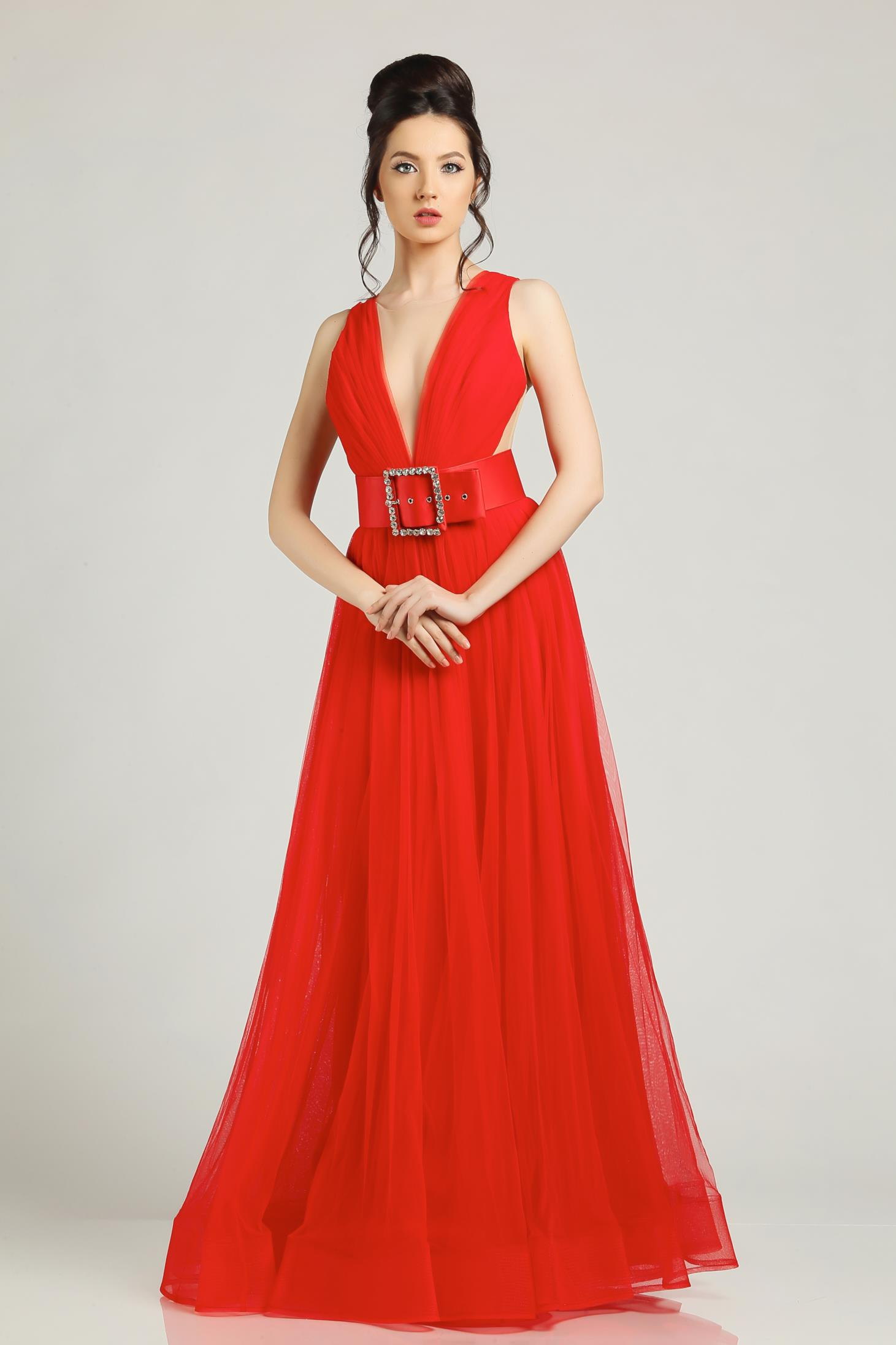 Red evening dresses Ana Radu dress accessorized with belt