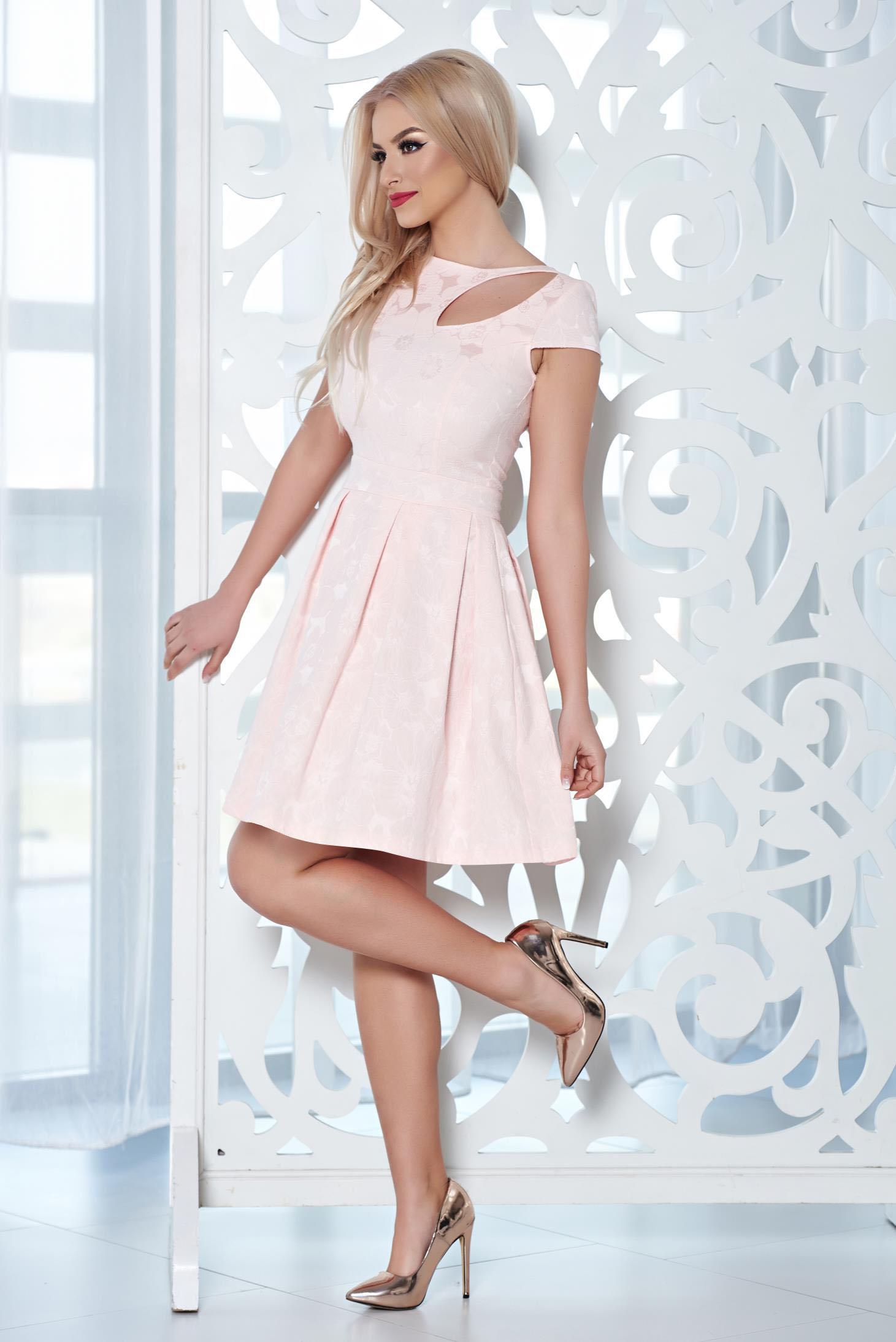 Rochie eleganta StarShinerS rosa cu decupaje in material
