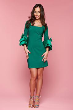 Artista bell sleeves green dress with bow accessories