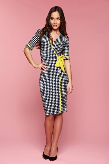Fofy midi darkblue dress accessorized with tied waistband and graphic details