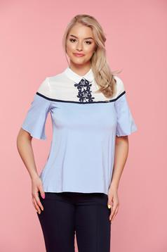 Casual Fofy easy cut lightblue women`s shirt with embroidery details