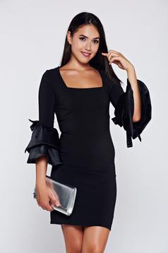 Artista bell sleeves black dress with bow accessories