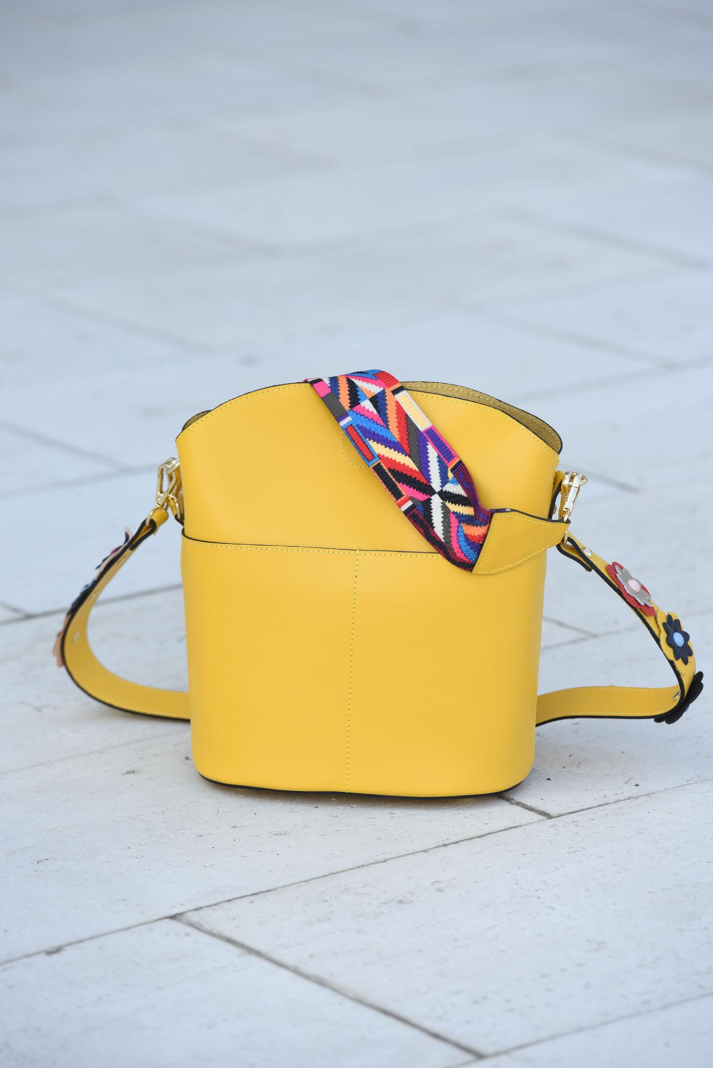 ae2319a53a Sárga táska bőr