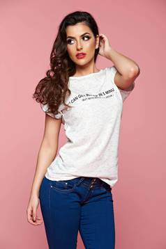 White easy cut casual t-shirt with writing print