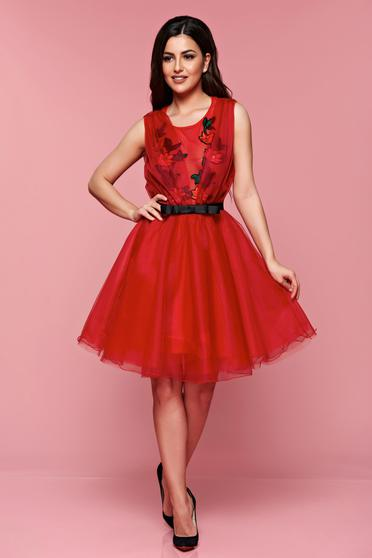 Artista red elegant cloche dress accessorized with tied waistband