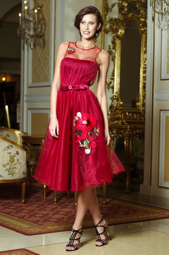 Artista elegant burgundy dress with push-up cups and embroidery details