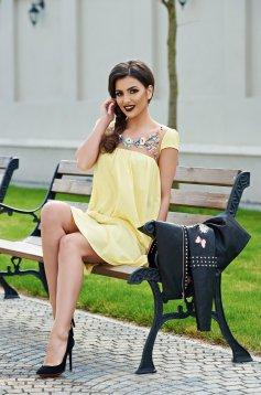 Yellow StarShinerS short sleeve embroidered flared dress