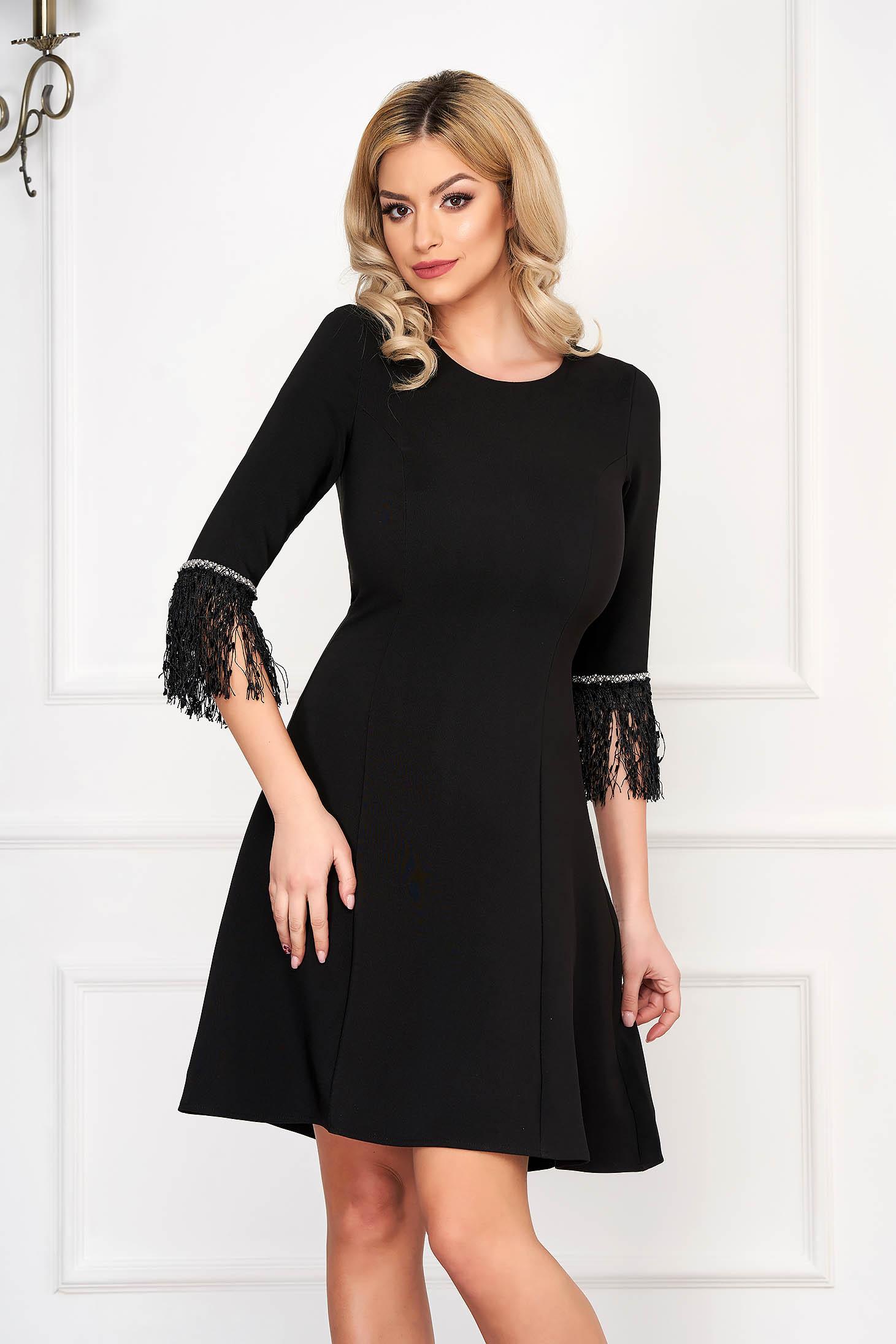 Bő szabású StarShinerS alkalmi rövid ujjú fekete ruha