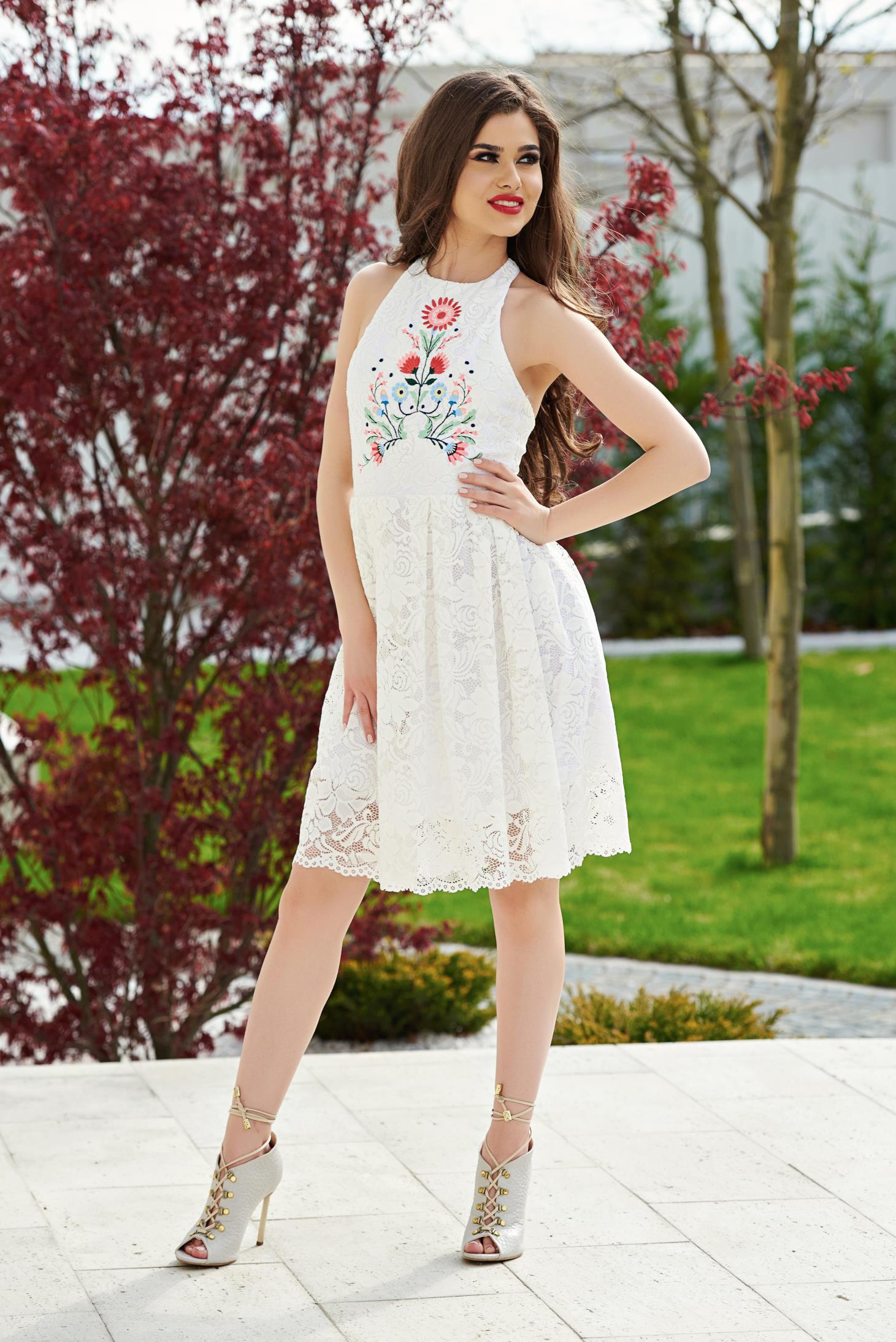 White StarShinerS embroidered laced cloche dress