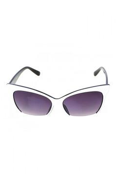 White cat-eye lens sunglass