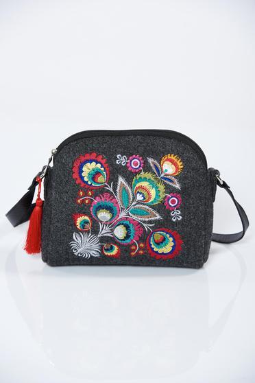Darkgrey embroidered bag with tassels