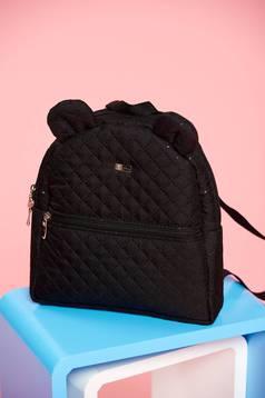 Black cloth bag zipper details and pockets