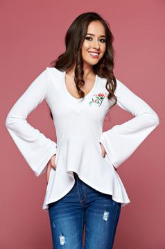 StarShinerS white embroidered women`s blouse with a cleavage and bell sleeves