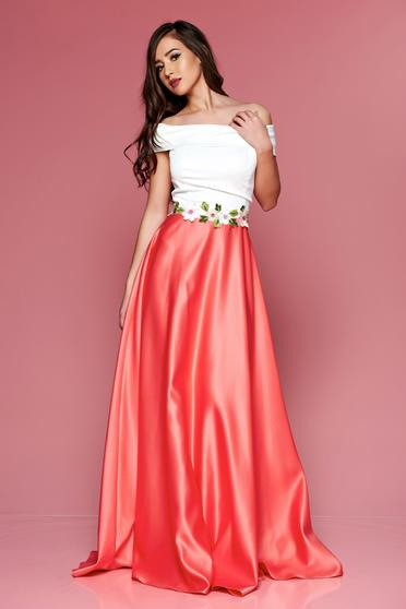 Artista pink long dress with embroidery details