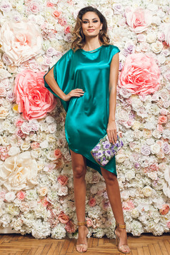 PrettyGirl elegant green asymmetrical dress with satin fabric texture