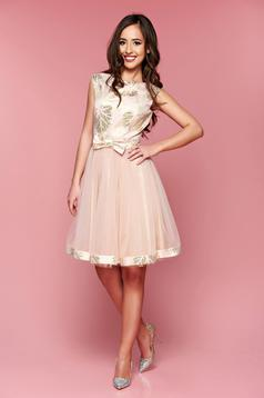 Fofy peach occasional cloche dress cut back