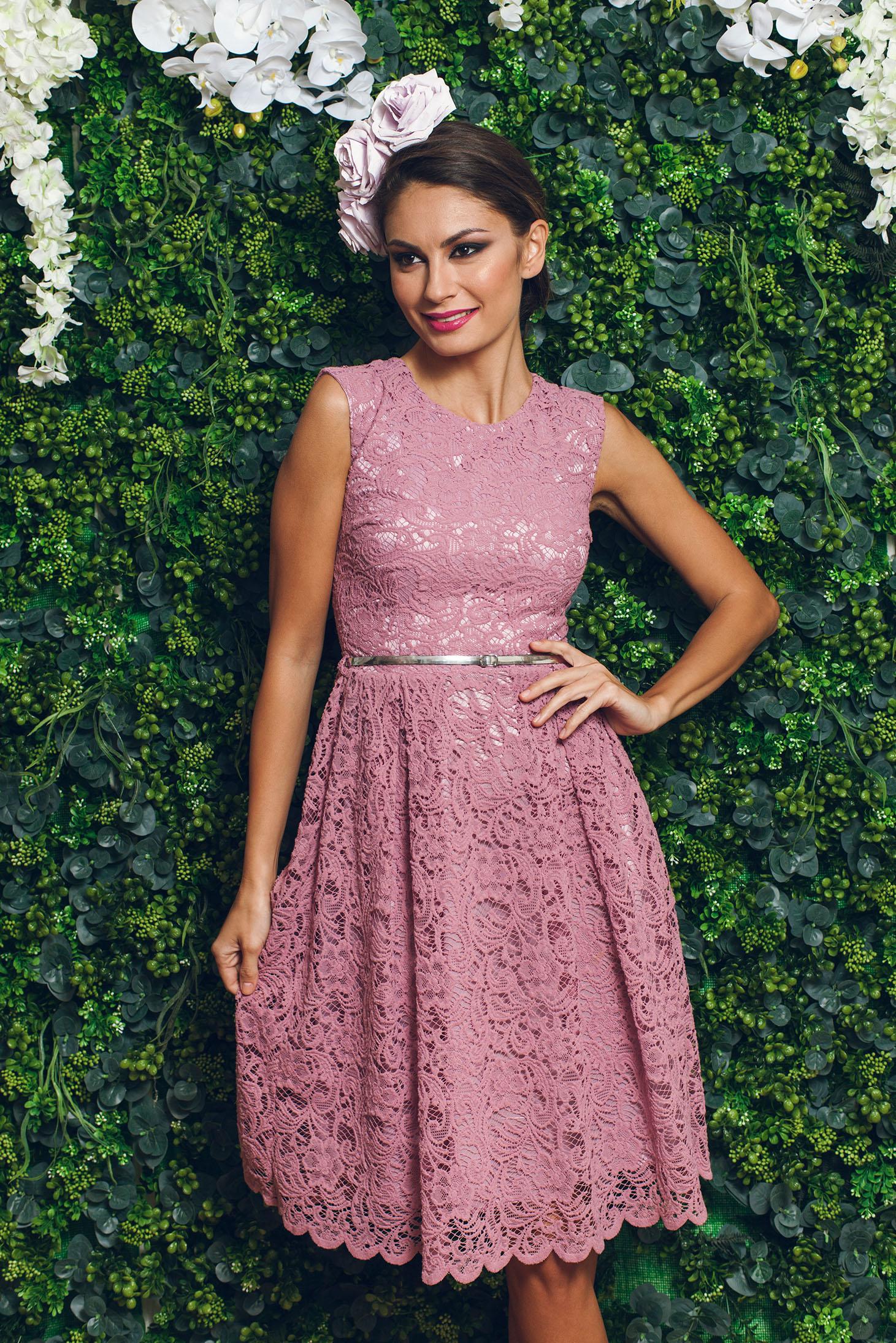 9ca7474010 A-vonalú rózsaszínű ujjatlan alkalmi PrettyGirl ruha csipkés anyagból