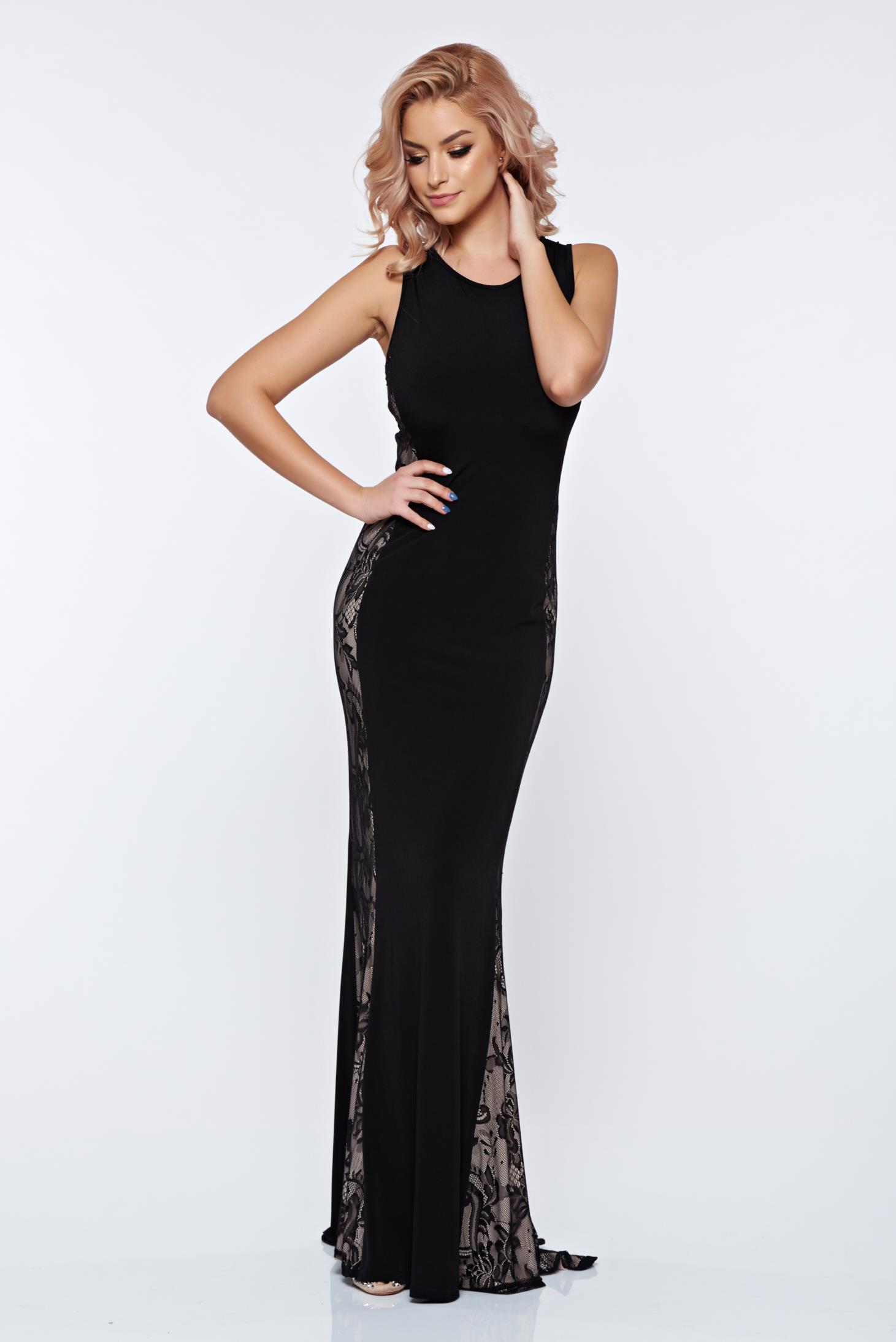 Hosszú fekete PrettyGirl estélyi ruha csipkés anyaggal 144565acf1