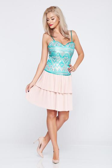 Short PrettyGirl rosa elegant skirt with pleats of material