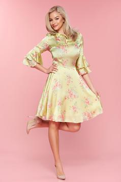PrettyGirl lightgreen bell sleeves dress with satin fabric texture