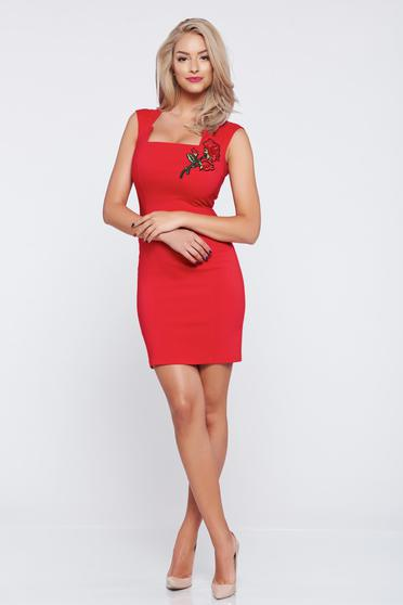 Fofy red sleeveless pencil dress embroidery details