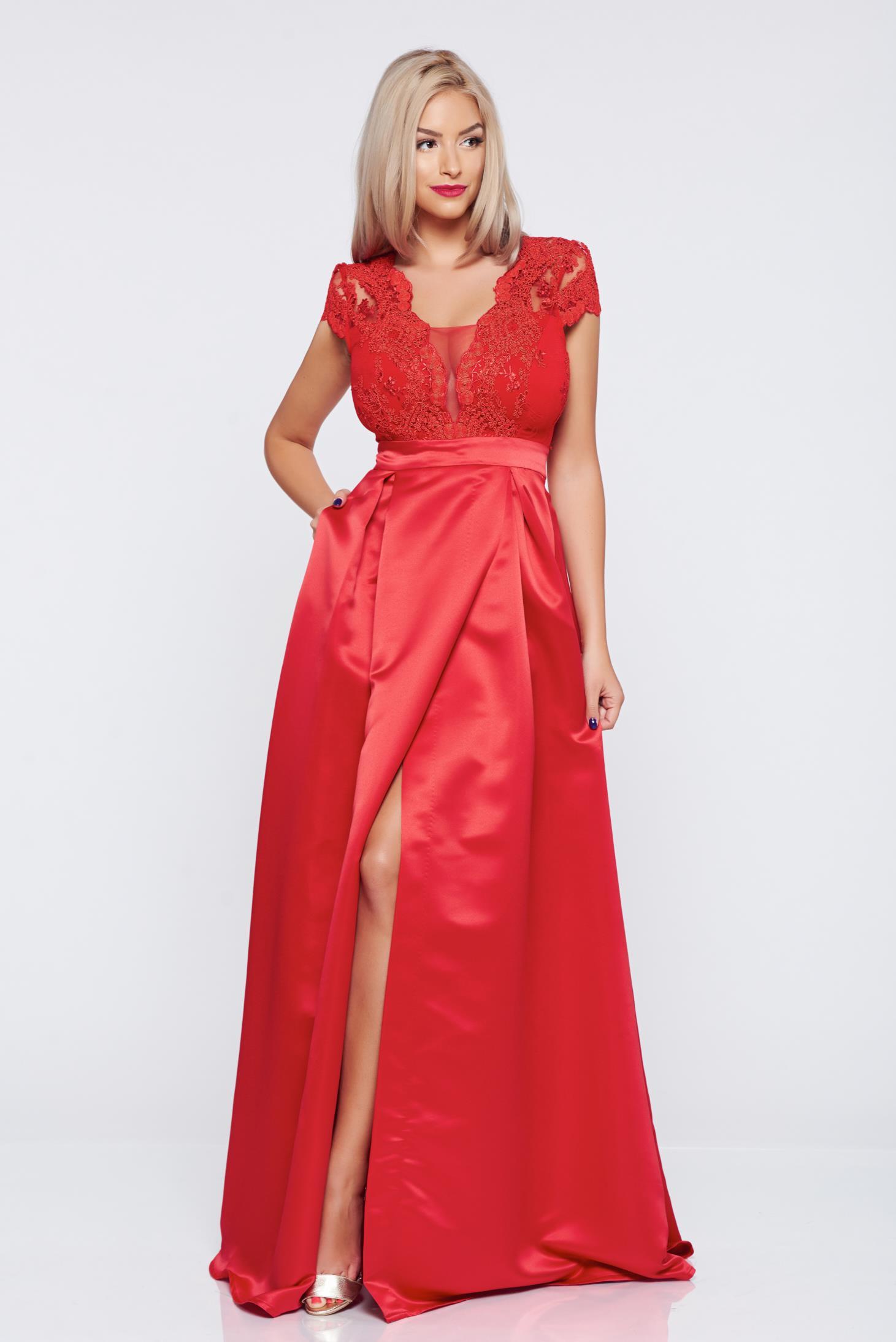 Rochie de ocazie lunga in clos Fofy rosie cu maneca scurta