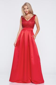 Cloche Fofy red long occasional dress with a cleavage