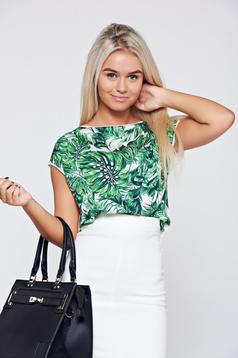 Top Secret white casual t-shirt with floral print