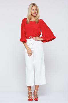 White easy cut trousers with pleats of material and elastic waist