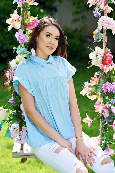 Lightblue easy cut women`s shirt with pointed collar and short sleeve