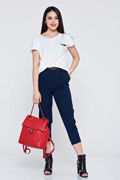 Darkblue office trousers accessorized with belt and pockets