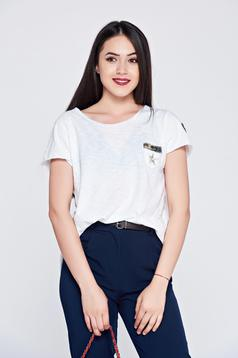 White easy cut short sleeve casual t-shirt
