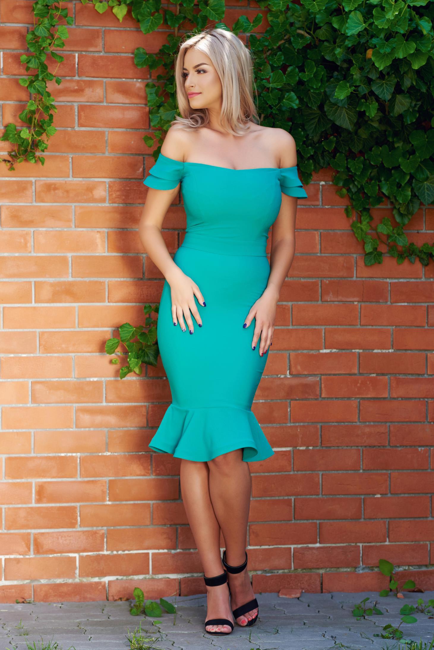 Rochie eleganta LaDonna verde cu volanase la baza rochiei